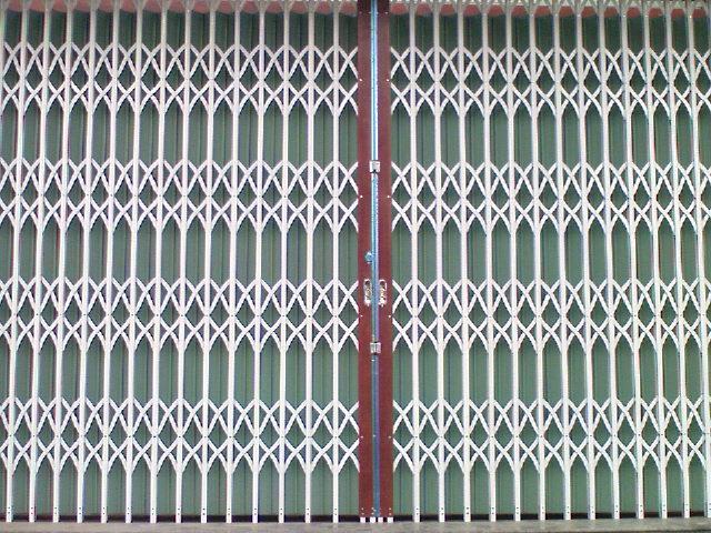 cửa xếp inox