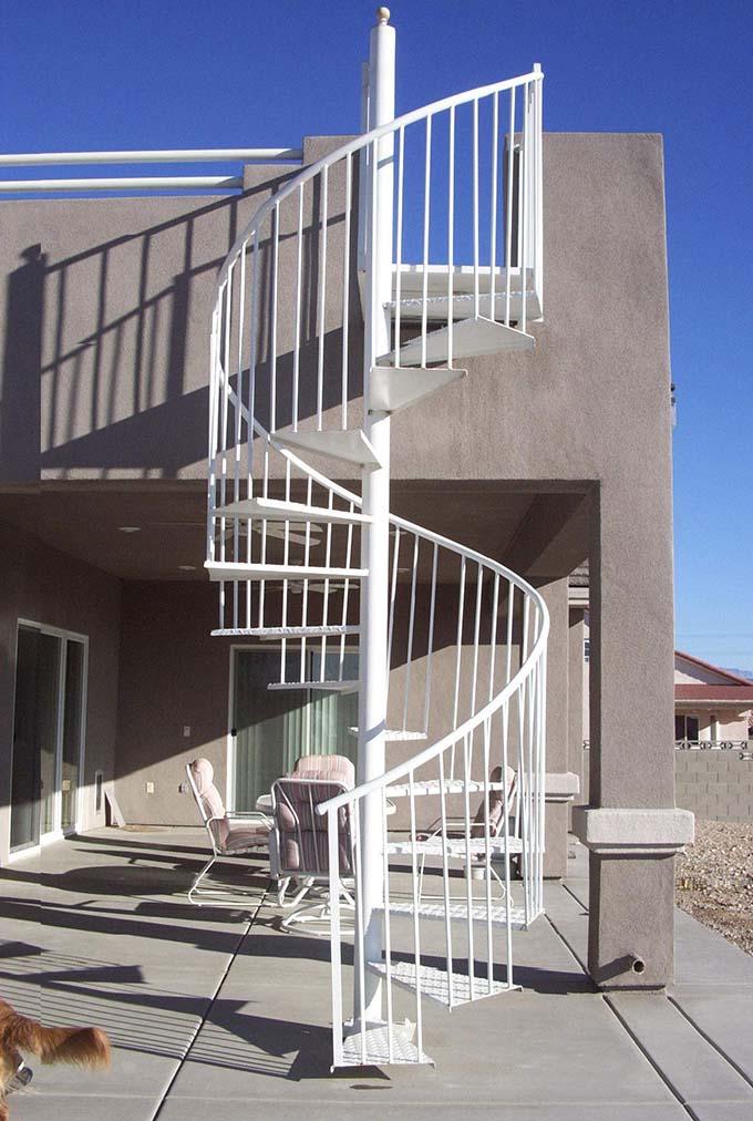 Cầu thang sắt ngoài trời 6