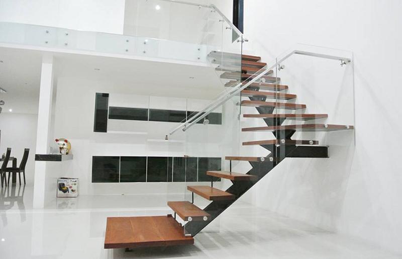 Cầu thang sắt mặt gỗ hình xương cá 23