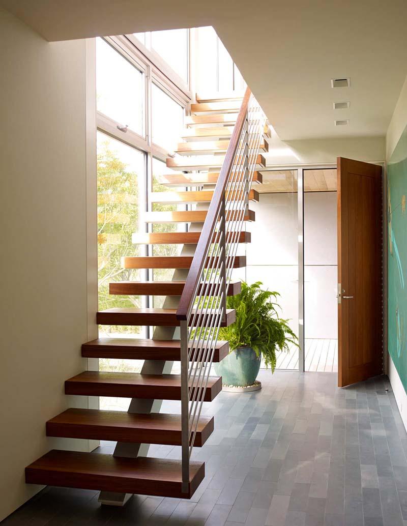 Cầu thang sắt mặt gỗ hình xương cá 26