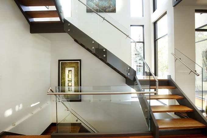 Mẫu cầu thang sắt 18