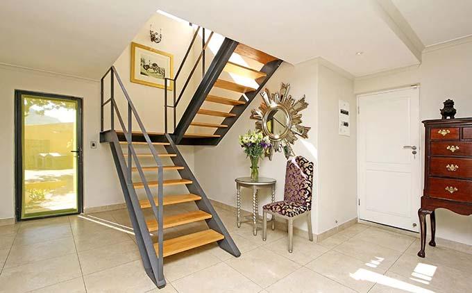 Mẫu cầu thang sắt 37