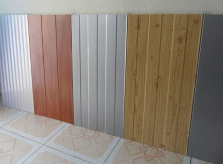 Các mẫu tôn trần nhà