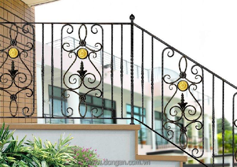 Cầu thang sắt nghệ thuật tay vịn gỗ 16