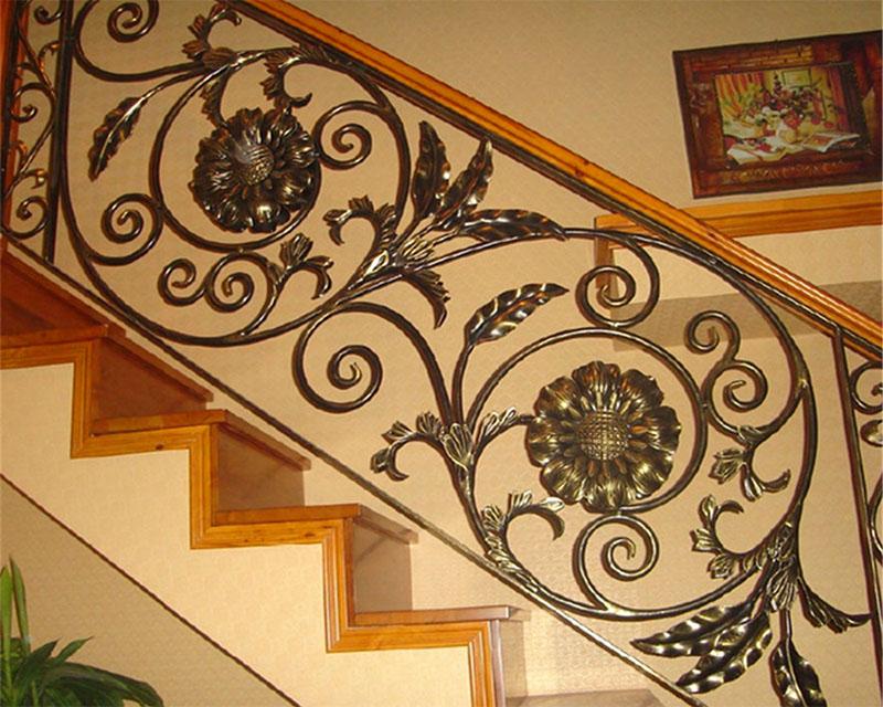 Cầu thang sắt nghệ thuật tay vịn gỗ 31