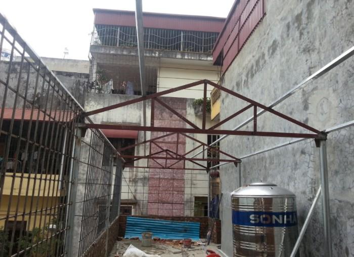 Mẫu nhà khung sắt mái tôn 4