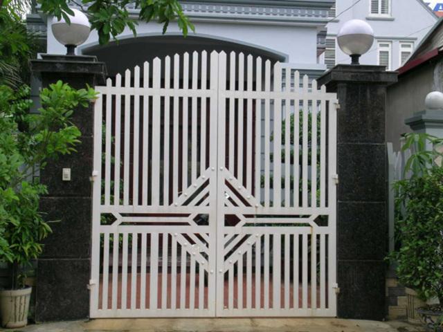 Mẫu cửa sắt 2 cánh đẹp 22