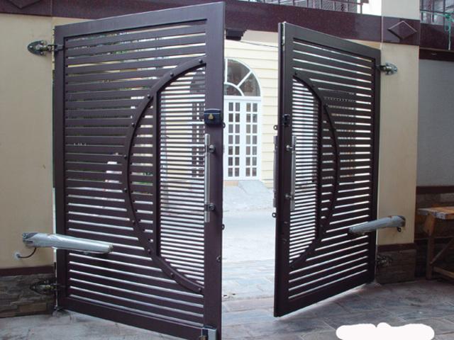 Mẫu cửa sắt 2 cánh đẹp 5