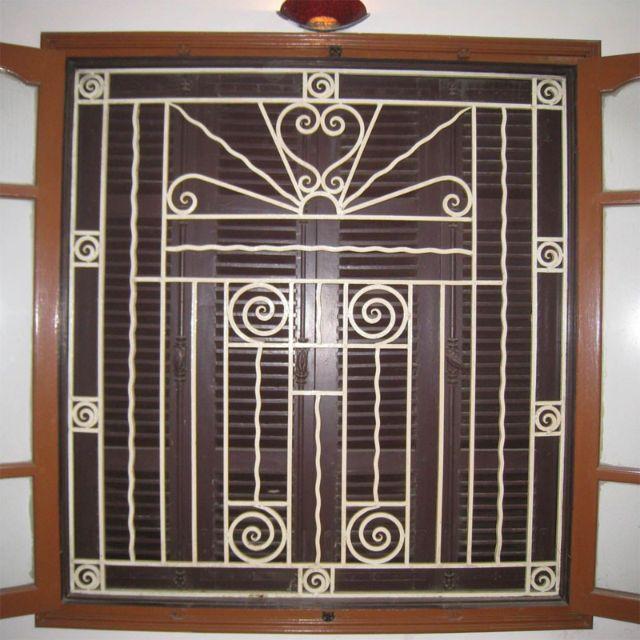 Khung sắt cửa sổ nghệ thuật mẫu 6