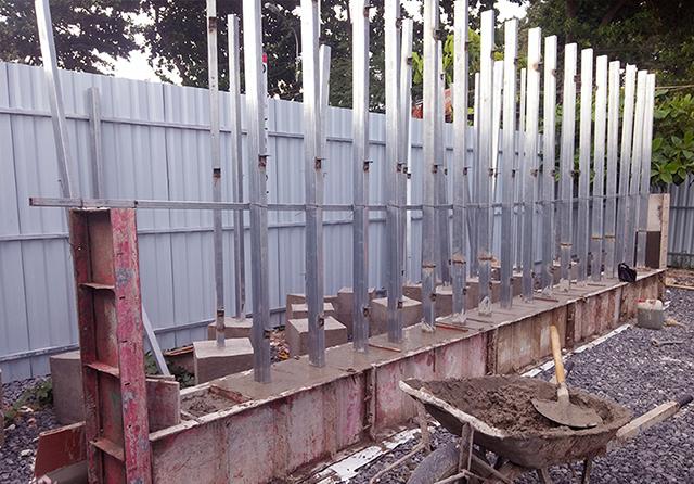 Thi công hàng rào tôn công trường