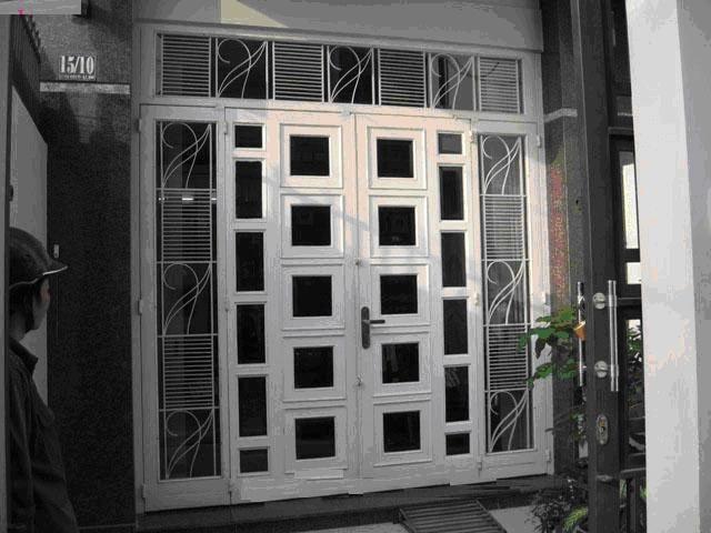 Mẫu cửa sắt pano 4 cánh đẹp 12