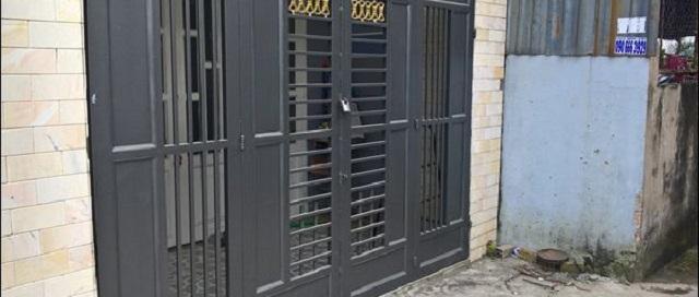 Mẫu cửa sắt pano 4 cánh hiện đại 1