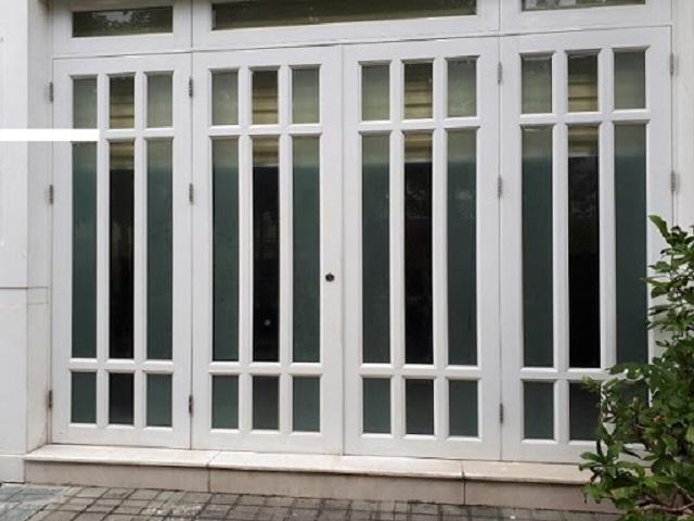 Mẫu cửa sắt pano 4 cánh hiện đại 11