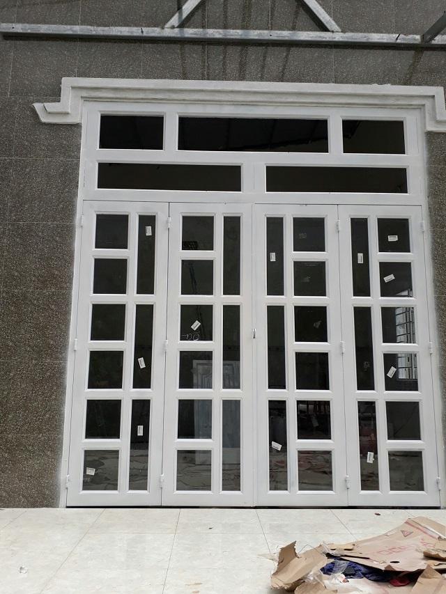 Mẫu cửa sắt pano 4 cánh hiện đại 3