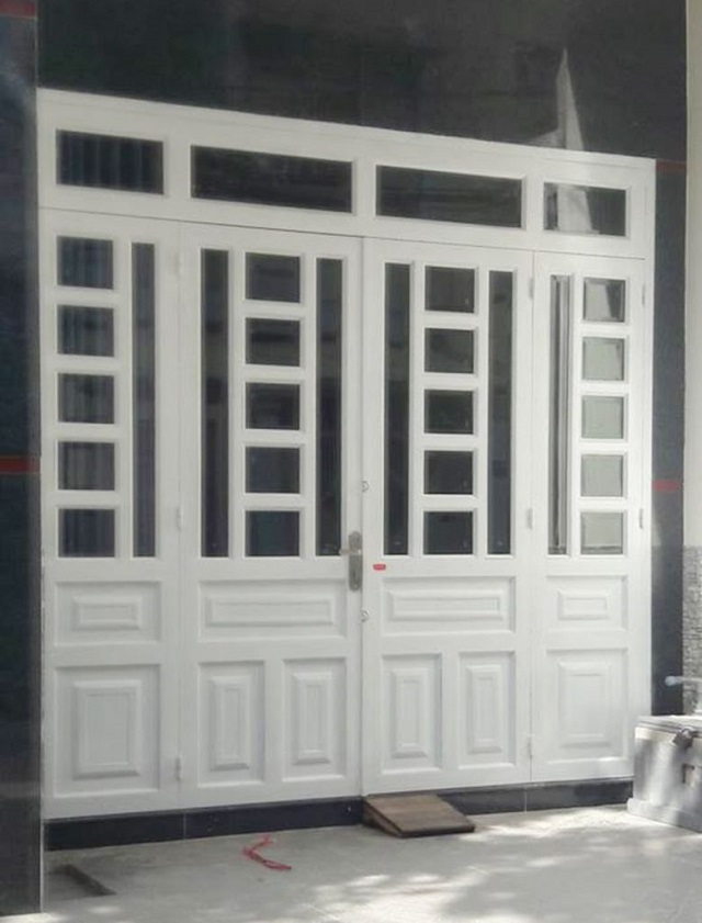 Mẫu cửa sắt pano 4 cánh hiện đại 4