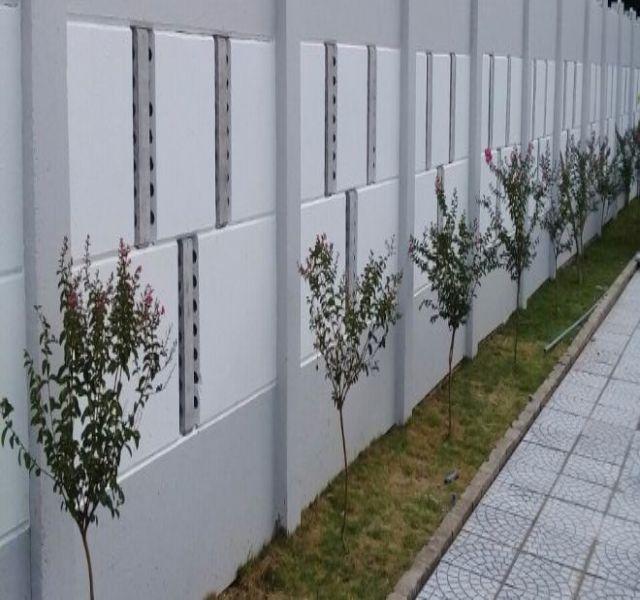 Mẫu tường rào cổng ngõ bằng bê tông 4