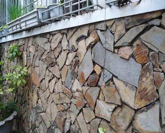 Mẫu tường rào cổng ngõ bằng đá 2