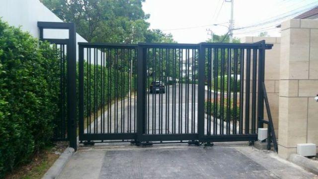 cổng sắt lùa trượt 4