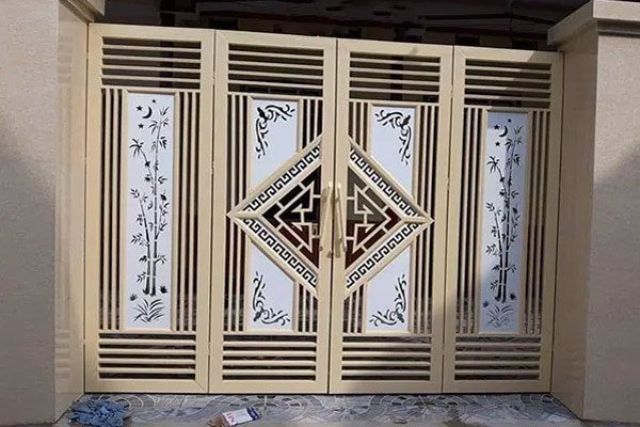cửa cổng sắt 4 cánh đẹp 11