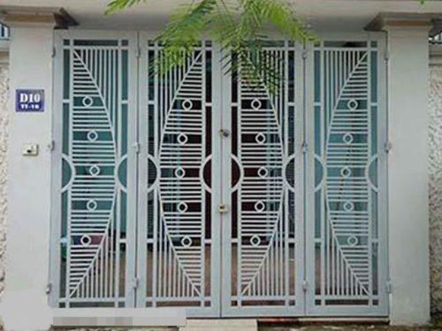 cửa cổng sắt 4 cánh đẹp 16