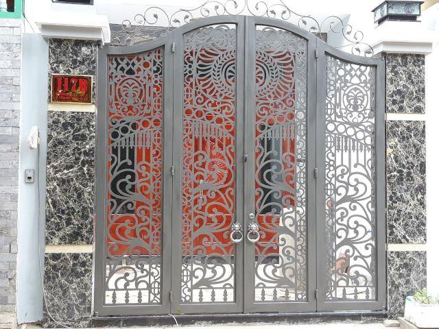 cửa cổng sắt 4 cánh đẹp 4