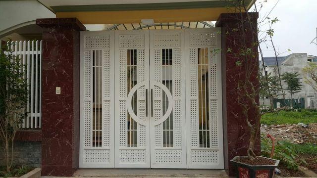 cửa cổng sắt 4 cánh đẹp 5