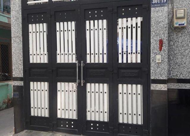 cửa cổng sắt 4 cánh đẹp 6