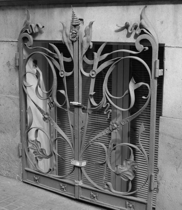 mẫu cửa sắt đẹp 15