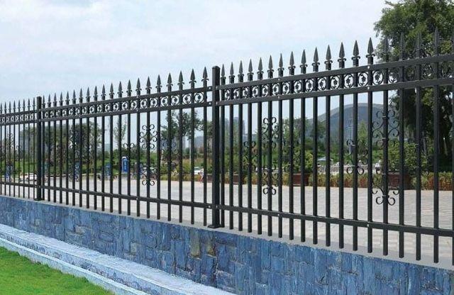 mẫu hàng rào sắt chống trộm 11