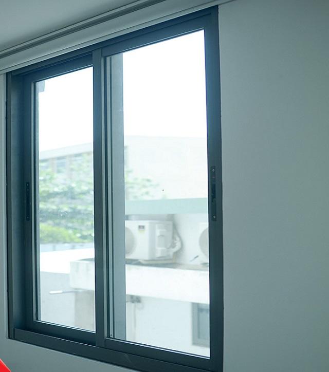cửa sổ lùa 2 cánh 18