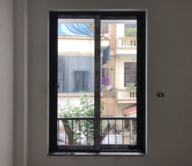 cửa sổ lùa 2 cánh 9