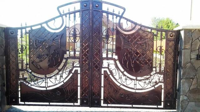 mẫu cửa sắt mỹ nghệ 12