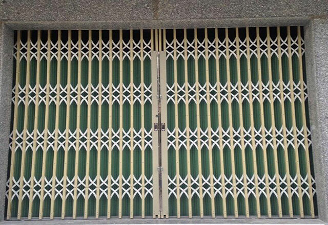 Màu sơn cửa sắt xếp 2